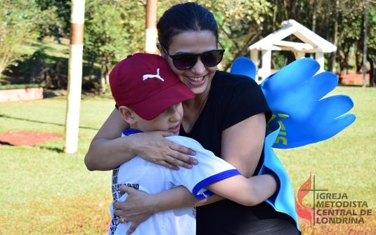 Saida King Kids - Dia do Abraço